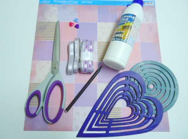 materiais1 Passo a passo – Cartão de scrapbook com fitas