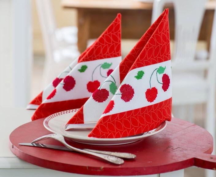 17 06 2013 11 40 18 Passo a passo – Panos de copa vermelhos com cerejinhas
