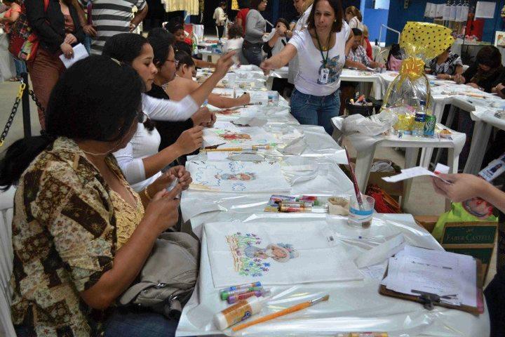 Artesanato Kit Higiene Bebe Em Mdf ~ Caçula realizou a primeira Feira de Artesanato de Juiz de