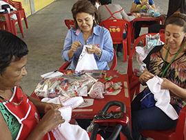 Programa do artesanato familiar da caçula levou técnicas de tricô, crochê e bordado a servidoras municipais do Rio